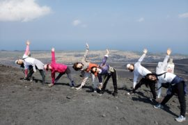 伊豆大島でヨガ合宿 三原山登山